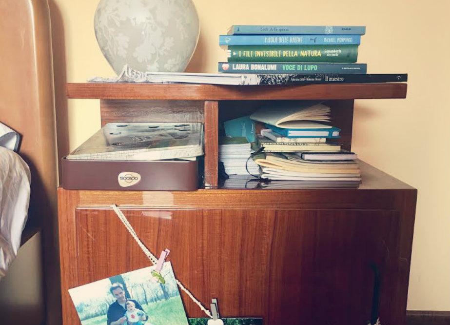 Comodini - Orecchio verde - interno storie