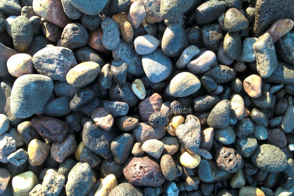 Un sasso è un'isola - interno storie