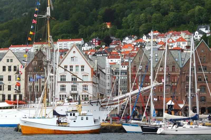Altri settentrioni - Diario di bordo Bergen - interno storie