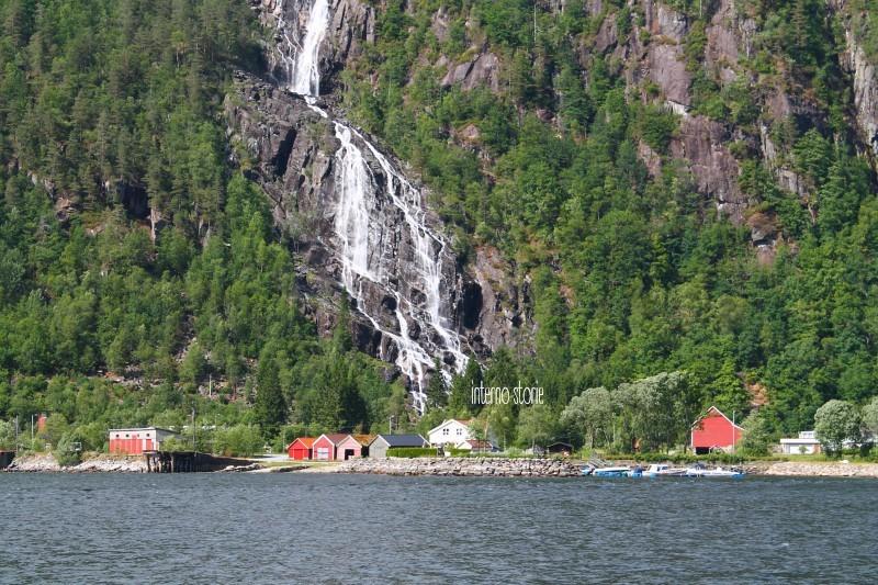 Altri settentrioni - Diario di bordo Fiordo e cascata - interno storie