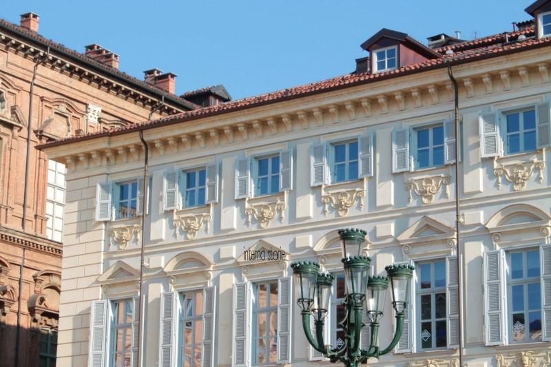 Diario di bordo - Il cielo su Torino azzurrissimo - Piazza San Carlo - interno storie