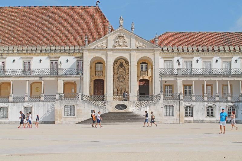 Diario di bordo - Porto è un azulejo Coimbra è bianca - Università - interno storie