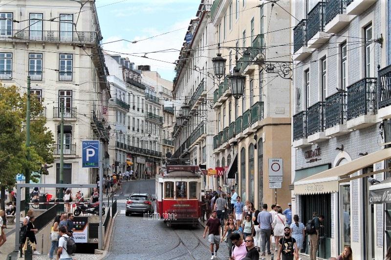 Diario di bordo - Sintra, l'Atlantico e Lisbona tra antico e contemporaneo - Camoes - interno storie