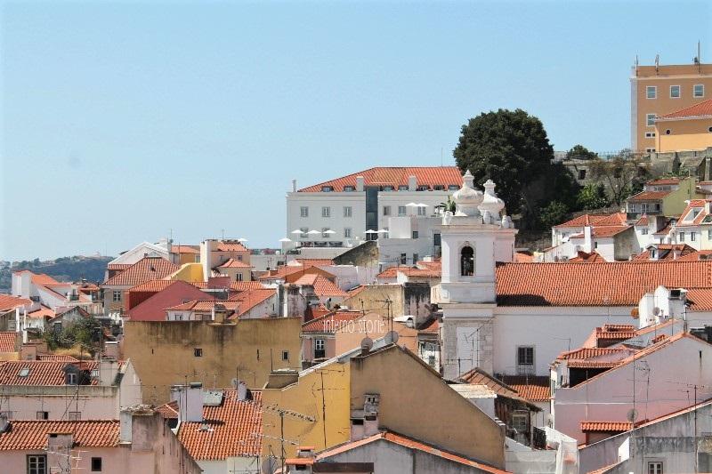 Diario di bordo - Sintra, l'Atlantico e Lisbona tra antico e contemporaneo - Miradouro Santa Luzia - interno storie